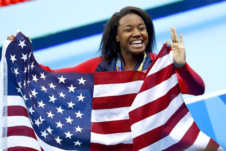 Team USA swimmer Simone Manuel made history on Thursday night as the first African-American woman to win a gold medal in an individual swimming race. The swimmer from Sugar Land, Texas, also managed to break an Olympic record in the… Usa Olympics, Rio Olympics 2016, Summer Olympics, Olympic Medals, Olympic Games, Simone Manuel, Female Swimmers, African American News, Olympic Swimming