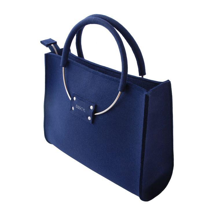 Handbag dark blue. www.bagcyl.com facebook.com/bagcyl https://twitter.com/BAGCYL