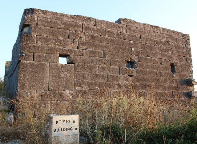 tromaktiko: Όρραον: Η άγνωστη πέτρινη πόλη της Ηπείρου όπου διασώζονται τα…