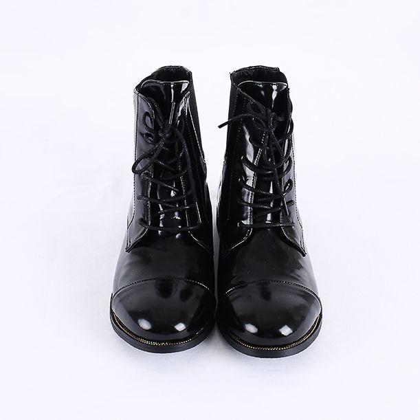 Korea womens shopping mall [REALCOCO] Bending enamel Walker / Size : 230-250 / Price : 69 USD #korea #fashion #style #fashionshop #apperal #koreashop #ootd #realcoco #shoes #walker #enamelshoe #dailyshoes