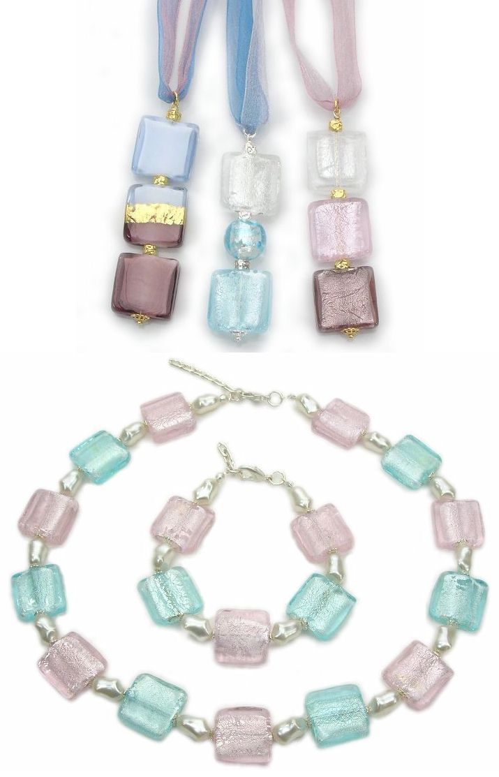 Fine Italian fashion glass pendants in milky glass style with 24k gold foil, size mm.80x20. Handmade wholesale fashion jewelry are frequently used to make beautiful Murano jewellery in combination with glass charms. Venetian beadmakers produces unique glass beaded jewelry pieces and sparkling bracelets. Necklace made from big square glass beads (mm.20) with silver foil and matching bracelet.