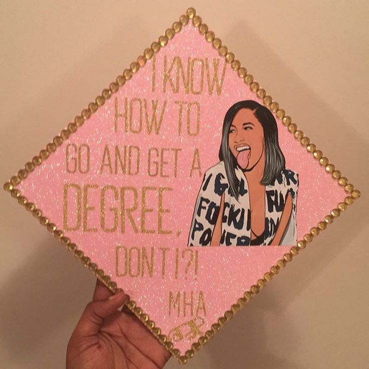 """ I know how to go and get a degreeee, don't I ?! "" 4th cap of the year for @riahh_x 💕 Congrats! 🎓 • • • • #graduation #graduation"