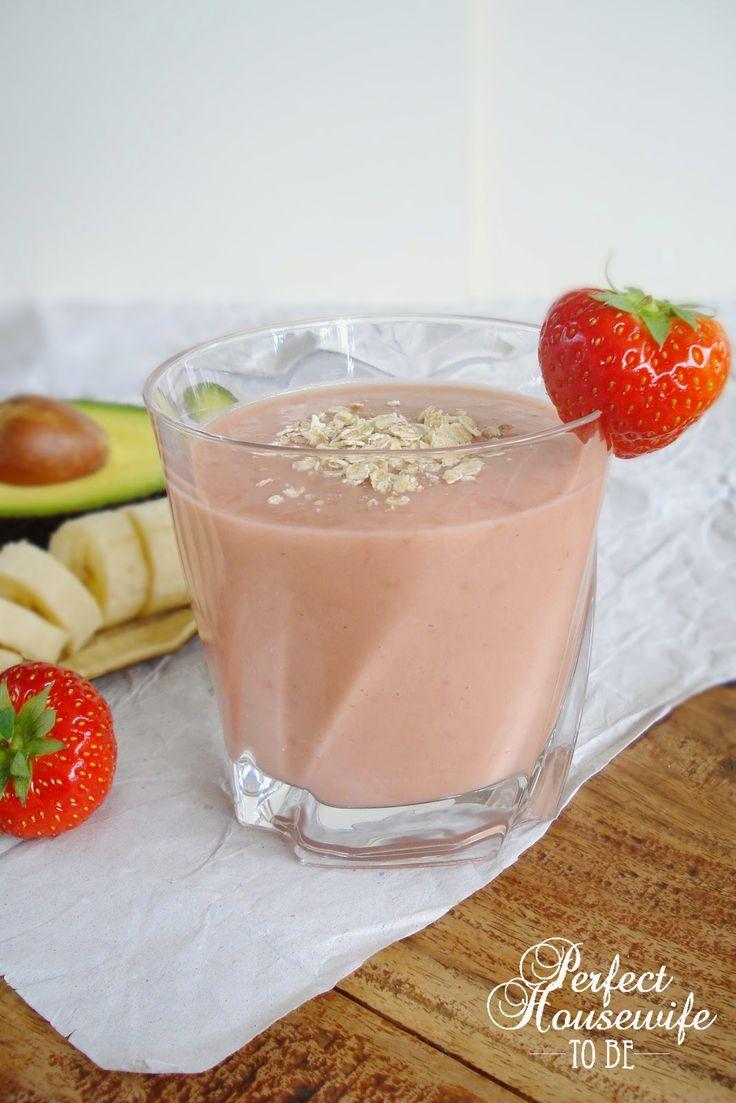 Aardbeien-avocado smoothie met perzik