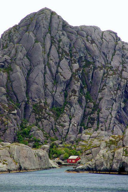 Norwegian landscape by Photos ludiques, via Flickr