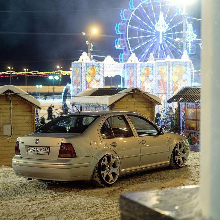 59 отметок «Нравится», 1 комментариев — Головин Михаил (@golovinfoto) в Instagram: «Russian winter stance. #vw #bora #mk4 #low #dub #stance  #bagged #air #bmwrims #bmwwheels #stretch…»