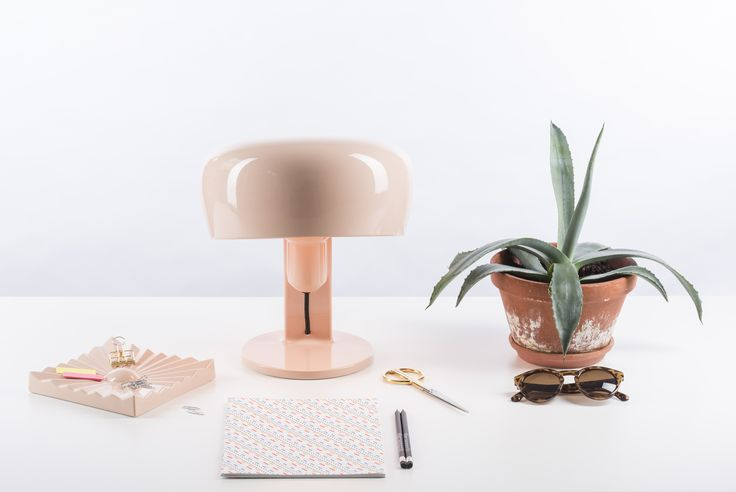 Create a beautiful workspace with our COPPOLA Table Lamp and ZIGGY STARDUST Ashtray / Object in the new color ROSE. Go to www.formagenda.com for more colors and information. Design by Benjamin Hopf.