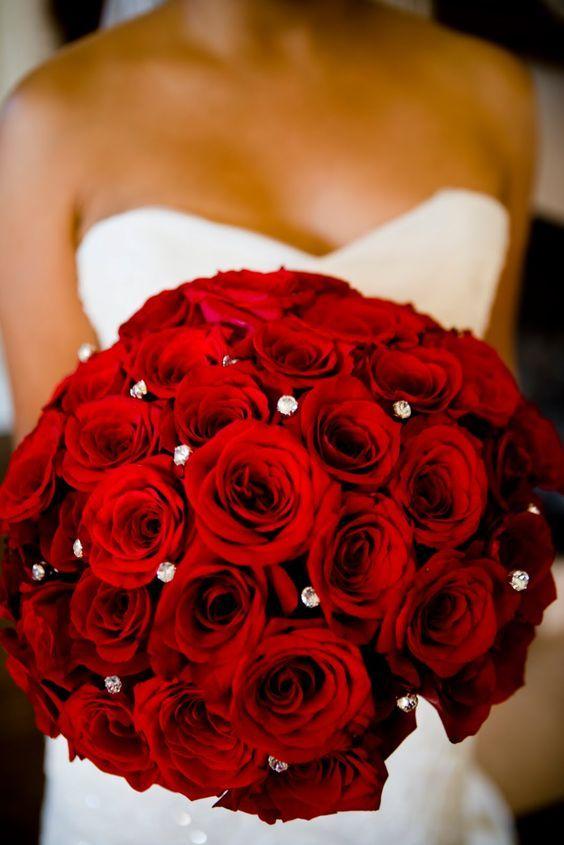 Bouquet de fleurs rouge pour le mariage