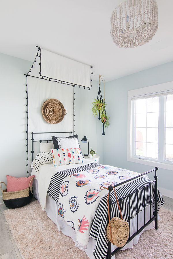 Tween Girl Beachy Boho Bedroom With Images Girls Boho Bedroom