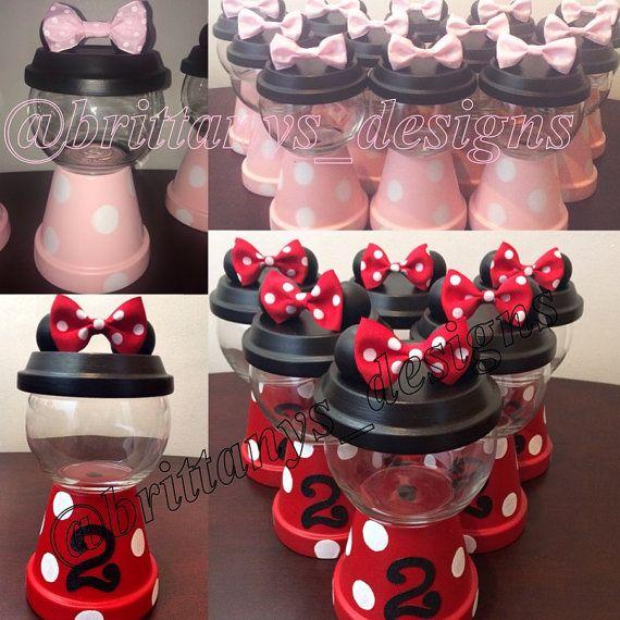 Minnie Mouse gumball machine por BrittanysBowtique2 en Etsy