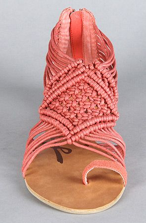 : Pink Sandals, Summer Sandals, Coral Woven, Color, Summer Shoes, Braids Sandals, Woven Sandals, Cute Sandals, Coral Sandals