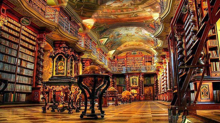 Klementinum biblioteka, lijep primjer barokne arhitekture, prvi put otvorena 1722. kao dio isusovačkog sveučilišta, a sadrživiše od 20.000 knjiga. Glasila je za jedanu od najljepših i najveličanstvenijih knjižnicama u svijetu od strane mnogihčitatelja! Foto galeriju ove predivne građevine pogledajte ispod : No related posts.