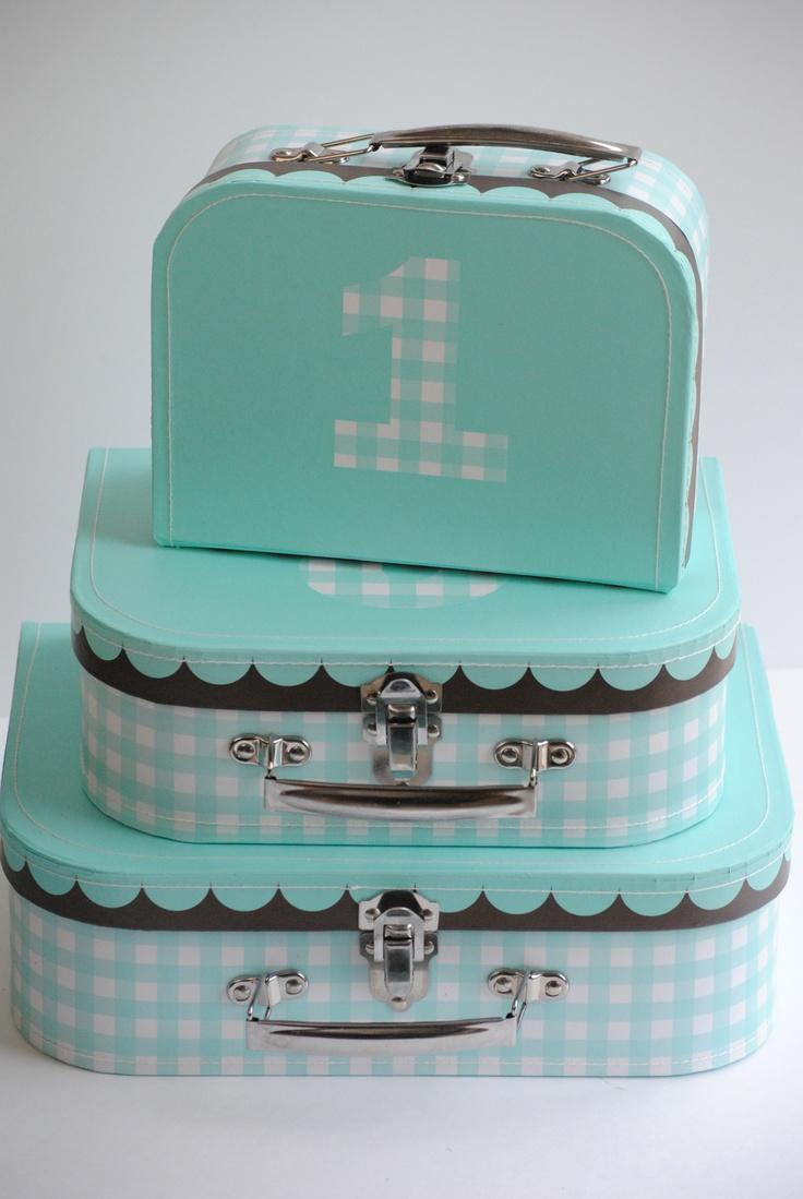 114 best box images on pinterest for Decoration bleu turquoise