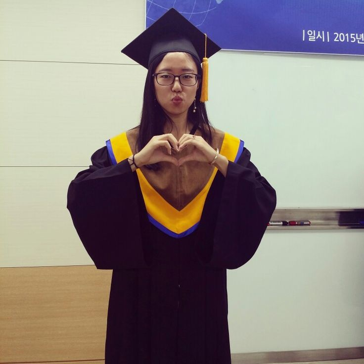 Otra ceremonia de #graduación   Me ecanta saber que sigo un camino diferente  Nunca hagas nada por hacer. Haz lo que te gusta de verdad! www.tanyayjavi.com   #caminos #alumni