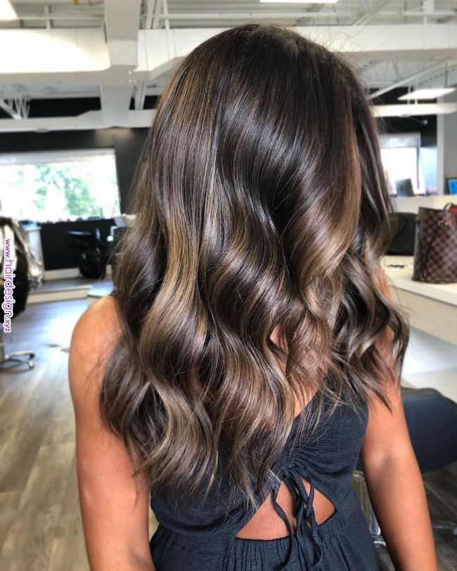 Styled by @shesdonemyhair Colour by @gianhair #wavyhair #balayge #natural #bronde #longhair #mississaugahair #mississaugahairstylist #torontoha…