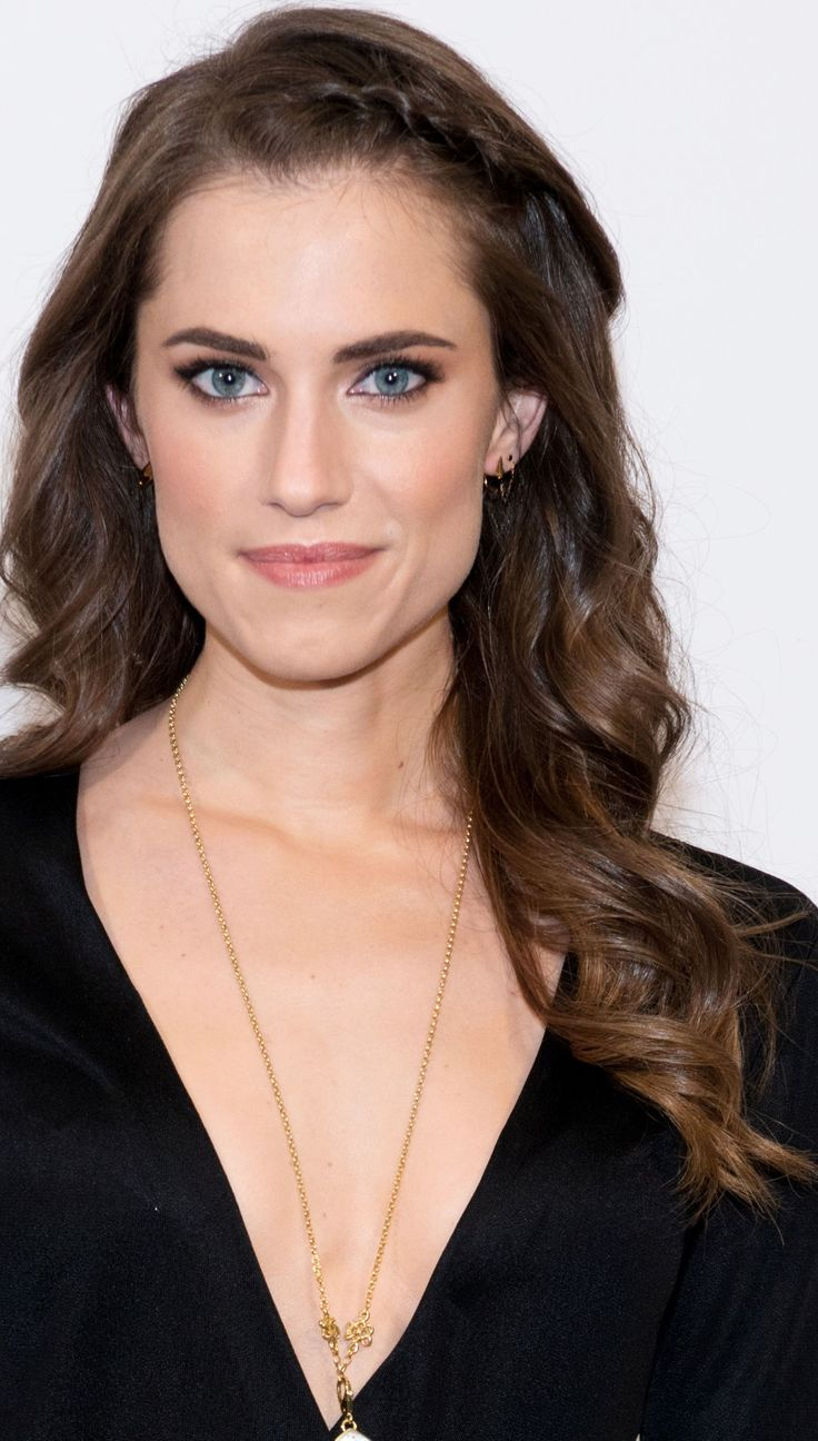 allison williams topless