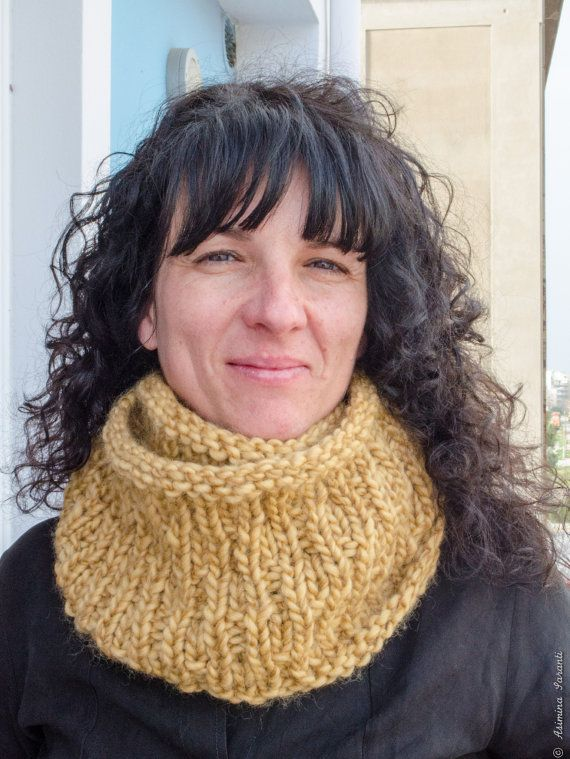 Chunky infinity cowl  FREE SHIPPING  circle scarf  by UberdenTraum, €49.90