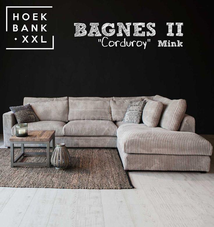 Hoekbank Bagnes II in de kleur beige. Het is een grote moderne hoekbank met losse kussens en een longchair rechts. De stof is in verschillende kleuren verkrijgbaar. De hoekbank is configureerbaar zodat het perfect in uw woonkamer staat. | HoekbankXXL