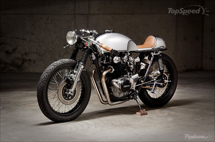 "The Honda CB450 Cafe Racer ""Bonita Applebum"" started its life as a 1971 Honda CB450 bought from eBay, and believe it or not, the bike was built in a small apartment. After buying all the items needed from eBay, Pepe Luque - the guy who now owns the bike - started to clean, paint, and spit polish every piece before installing them on the frame."
