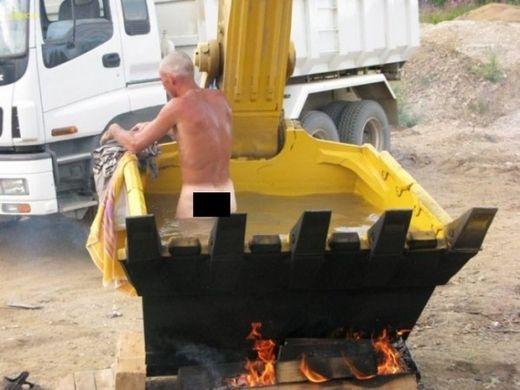 время #помыться #смешные #строители развлекаются #wash time #funny #builders #fun