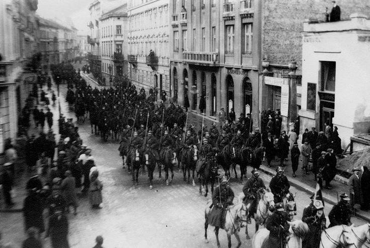 1918-1939 – Львів під владою Польщі. Парад Війська Польського у Львові. - 1918-1939 - Lviv under Polish rule. The parade of Polish troops in.