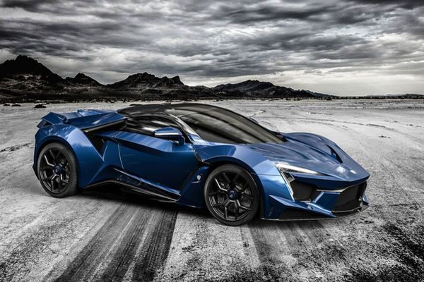 W Motors Fenyr Supersport auf der Dubai Motor ShowRichard Moore