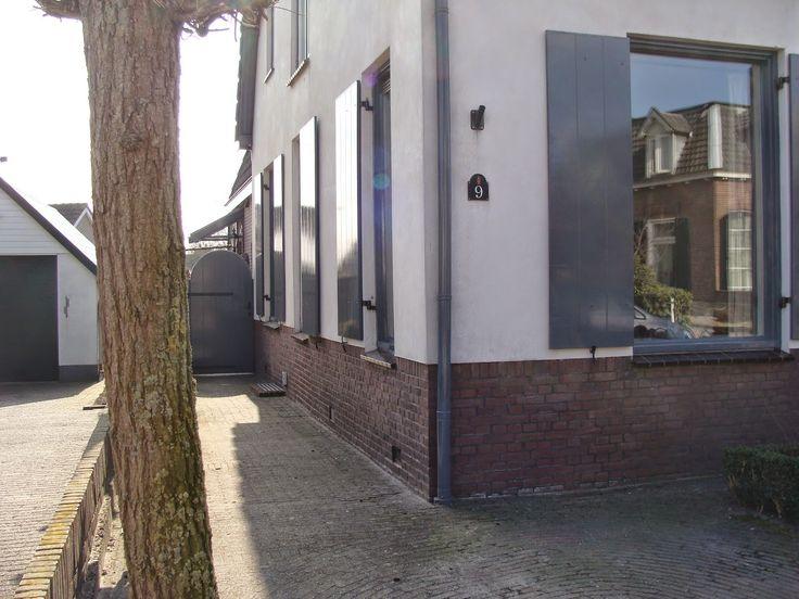 17 beste idee n over grijze buitenkant op pinterest huis exterieur kleuren beschilderde - Groen huis model ...