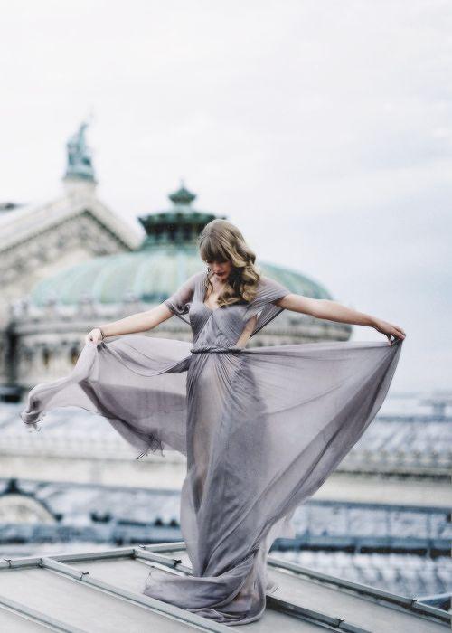 Taylor in Paris