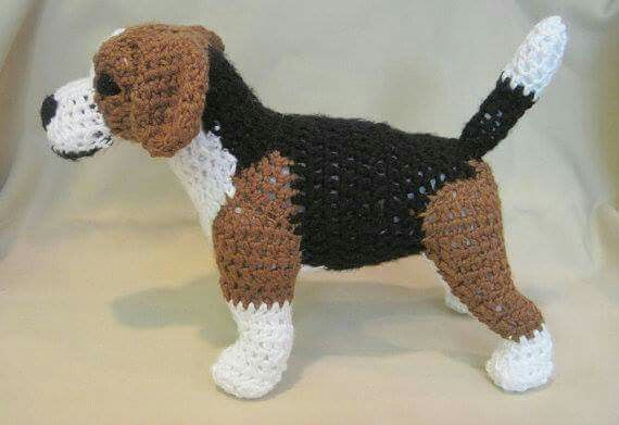 Beagle PDF Crochet Pattern (several other breeds available): http://tidd.ly/1e7b5f12 (affiliate) -Pamela #crochet #patterns #crochetersanonymous