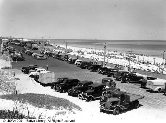 Scarborough promenade and beach, 1946.