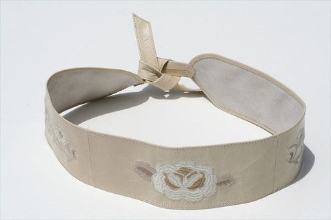 embroided belt - putty