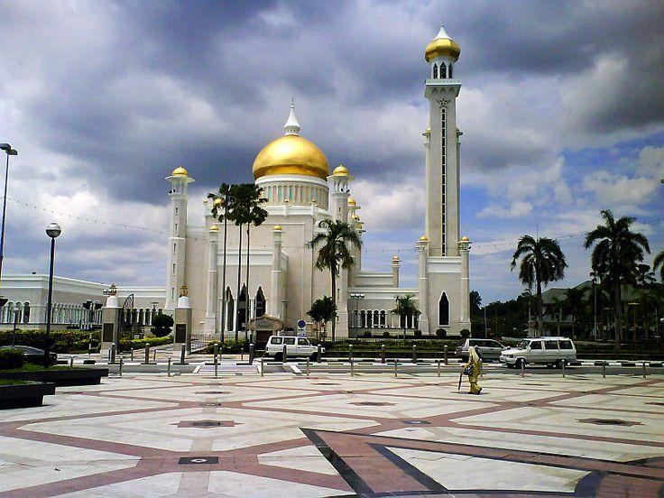 Moschea Omar Ali Saifuddien // Omar Ali Saifuddin Mosque ◆Brunei – Wikipédia http://pt.wikipedia.org/wiki/Brunei #Brunei