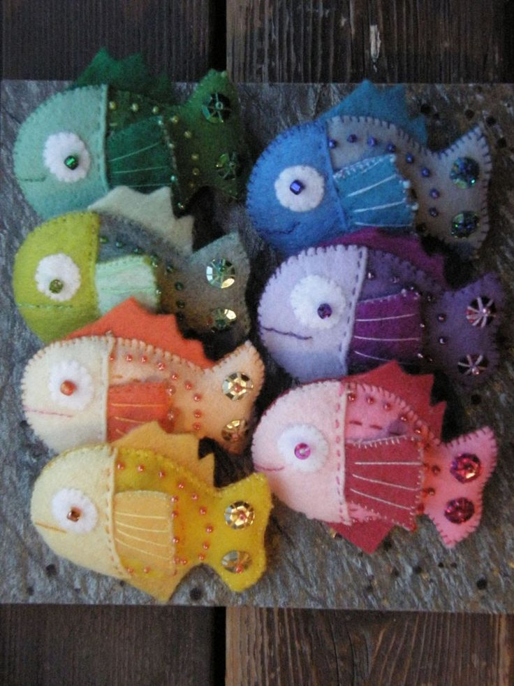 School of Fish Pins...I think these would translate into pin cushions very well.
