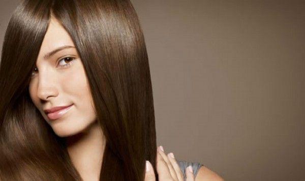O cabelo liso, sem pontas duplas, brilhante e sedoso é tudo o que qualquer mulher deseja, não é mesmo? Mas muitas vezes a escova que feita em casa não fica