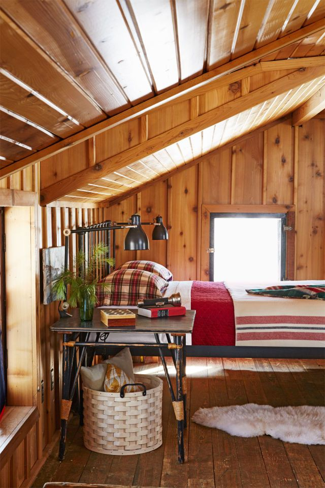 a cozy christmas cabin nestled in the woods of wisconsin - Cabin Bedroom Decorating Ideas