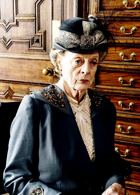 TheBatesLegalTeam via dontbesodroopy: Maggie Smith as Violet Crawley - Downton Abbey S6 E3