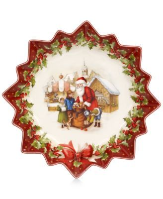 Villeroy & Boch presents the Toy's Fantasy Santa's Gift Deep Pastry plate. Delight your guests with this whimsical piece of serveware that features unique fluted edges, scalloped borders and festive d