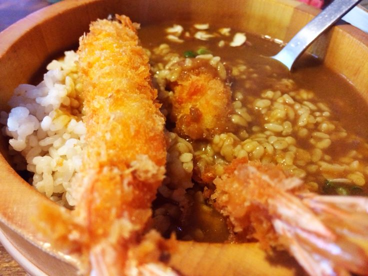 This is nippon style curry rice with deep fried shrimp. Eum~^^ yummy!  You know that taste of  nippon style curry is so different from india style curry.