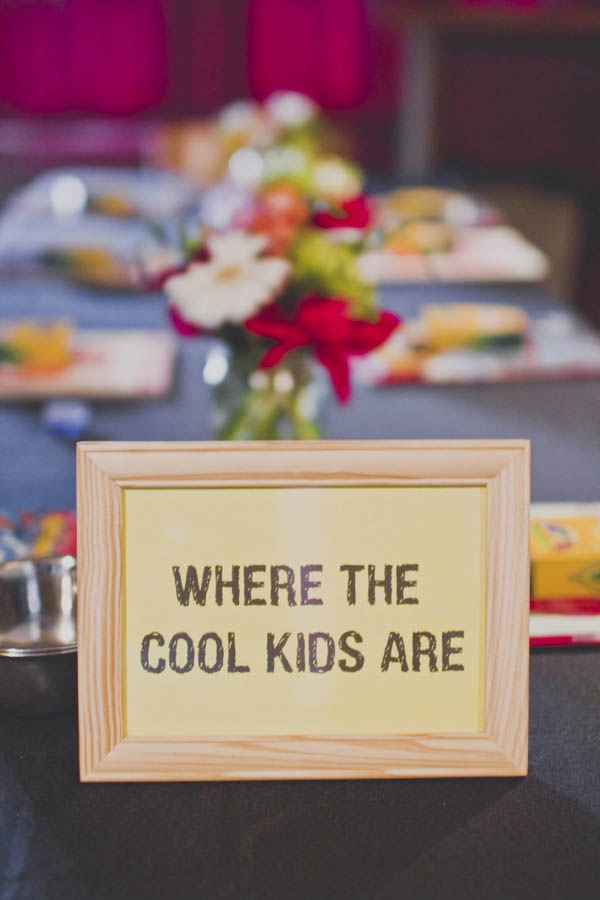 love this for the kids table :)