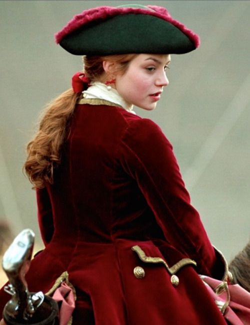 the-garden-of-delights:  Émilie Dequenne as Marianne de Morangias in Brotherhood of the Wolf (2001).