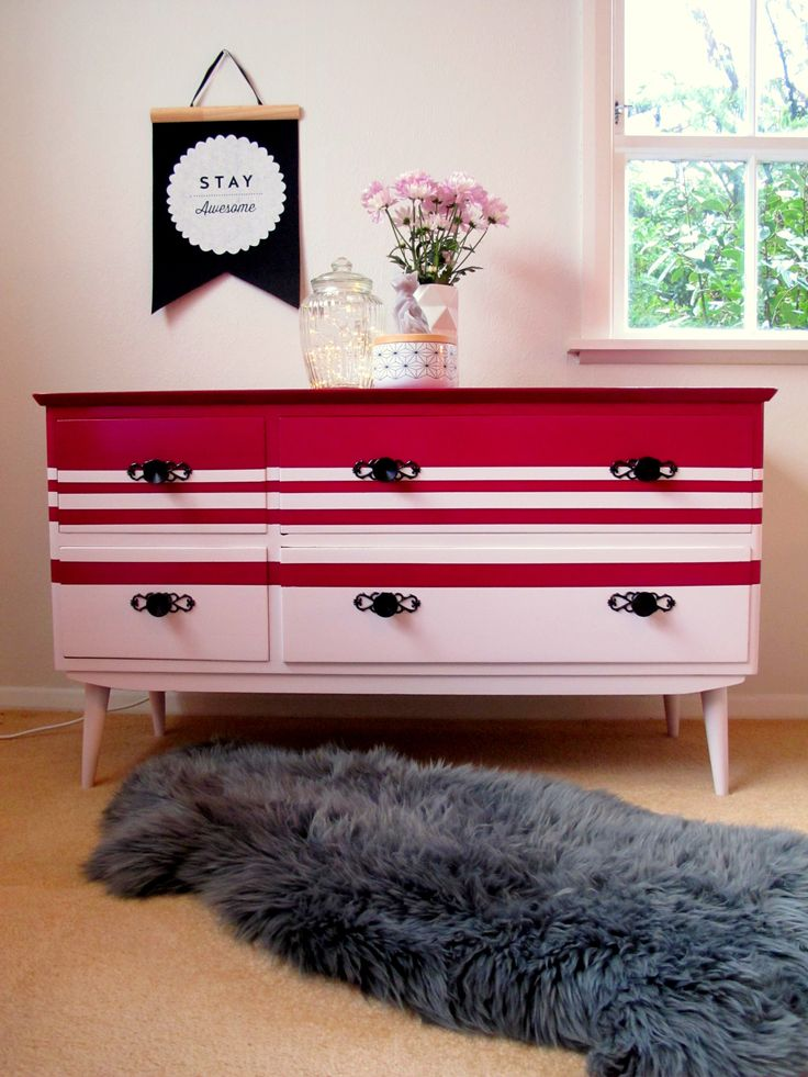 Stylish combo of pastel pink and bright magenta.  Handles are original and really stand out in their black spray paint.