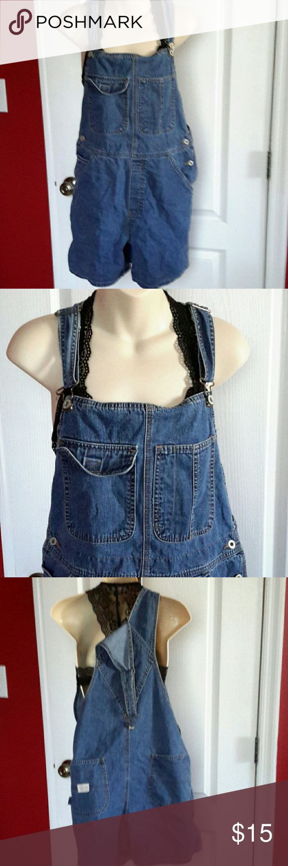 Old Navy Denim Short Overalls Large So cute with just a bralette.  Extra roomy  adjustable straps  fits 10 thru 14 because size large  excellent condition. Old Navy Shorts