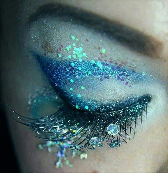Mermaid tears makeup
