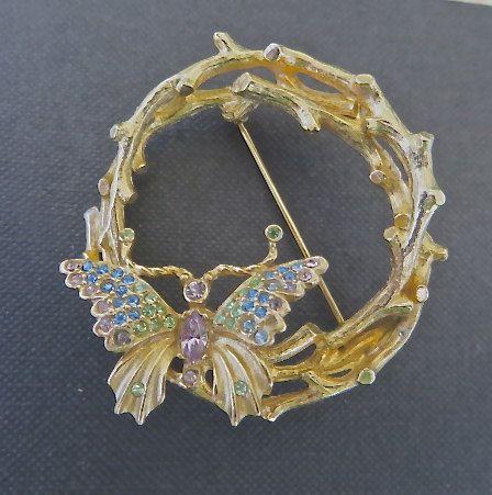 Farfalla d'epoca sul ramoscello corona di VintageVogueTreasure