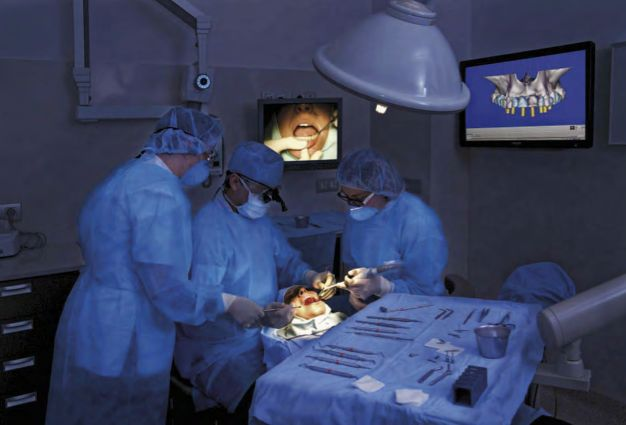 Clínica Cervera, la referència a Girona en implants dentals / Clínica Cervera, la referencia en implantes dentales en Girona / Cervera Clinic, Girona's benchmark in dental implants. TopGirona nº 39