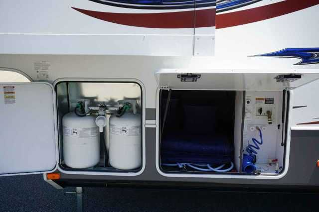 2013 Used Keystone Avalanche Fifth Wheel in North Carolina NC.Recreational Vehicle, rv, 2013 Keystone Avalanche , 2013 Keystone RV Avalanche 360RB, Keystone Avalanche one and a half Bath Bunkhouse FW with Rear Sofa Sleeper Slide with Flip Bunk Above, Rear Ent. Center with Wards. Both Sides, Booth Dinette Slide with Flip Bunk Above, one half Bath with Private Entry, Free Standing Dinette and Hide-A-Bed Sofa Sleeper Slide, Ent. Center in Living Are, Slideout Refrigerator, and 3 Burner Range…