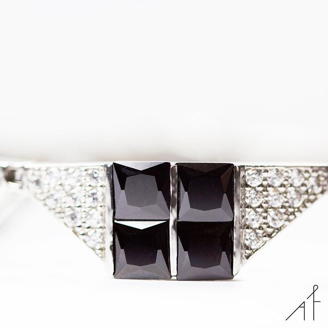 Detail happiness...!💕 #afewjewels #jewelry #silver #black #gemstone #amazing #beautiful #fashion #style #instamood #instagood #happiness #detail #unique #jewelryaddict #moda #sunday #weekend #sundaynight #afew #fashionista #artdecco #bracelet #closeup #eyesonit