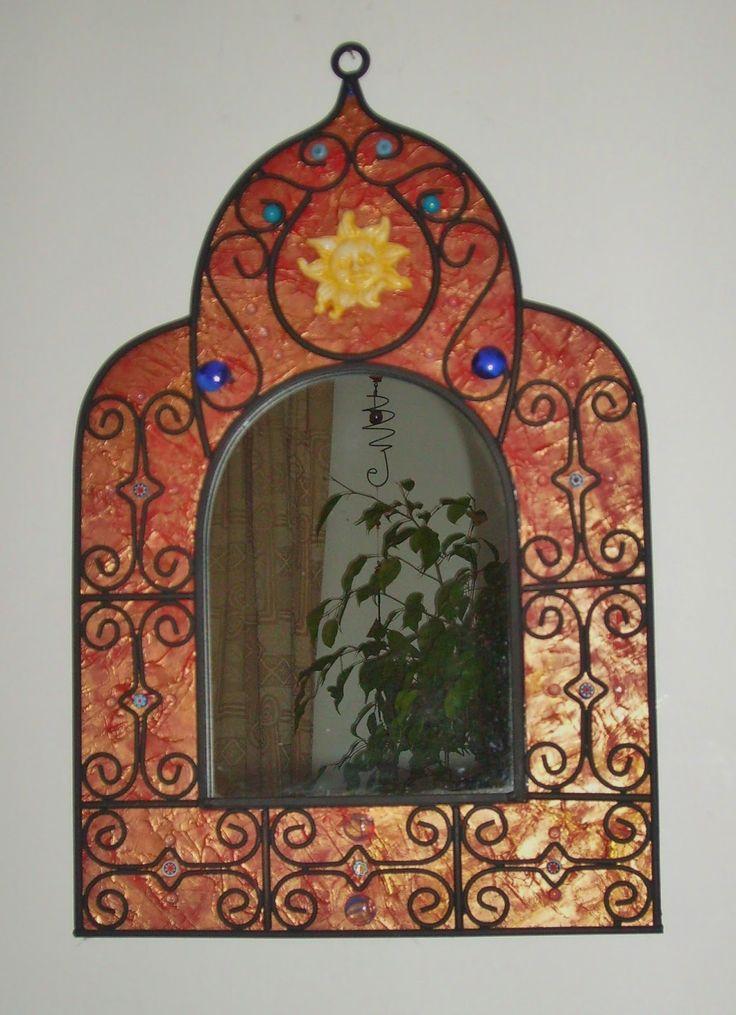Cr ation de miroir rouge fer forg peinture bille de verre bleue unique sur commande par for Peinture sur fer forge