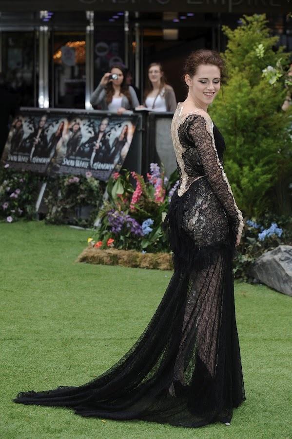 Kristen Stewart Snow White and the Huntsman world premiere in London