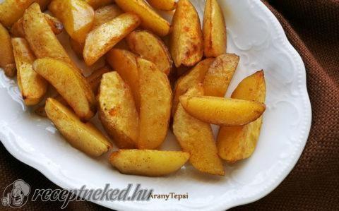 Fűszeres újkrumpli tepsiben sütve