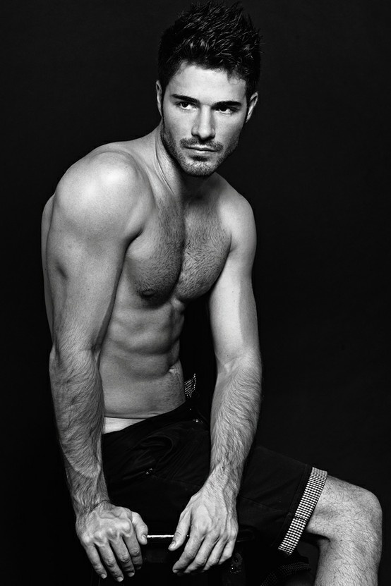 studio - Male Models and Photographers. Photos and videos of men,modeling.Athletic,fitness,fashion,underwear,asian,black,hunks photography.
